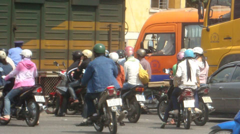 Bát nháo giao thông cửa ngõ Đà Nẵng - 3