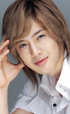 Bae Yong Joon và bản sao Kim Hyun Joong - 4