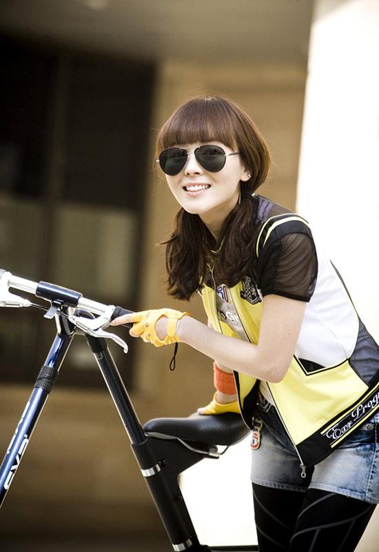 Wonder Girls - 'hot' với kính thời trang - 3