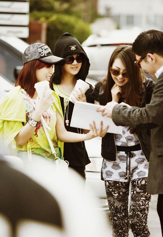Wonder Girls - 'hot' với kính thời trang - 13