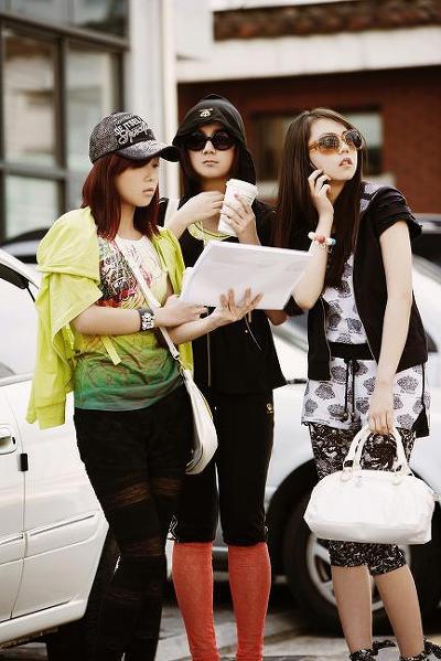 Wonder Girls - 'hot' với kính thời trang - 14