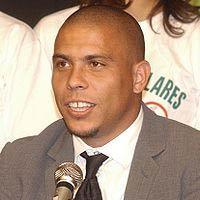 Ronaldo - Người ngoài hành tinh (P8 – Những cầu thủ xuất sắc nhất trong thập kỷ qua)