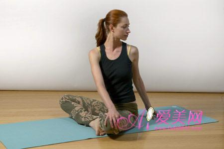 Làm đẹp: Thêm bài tập Yoga cho eo thon! - 5