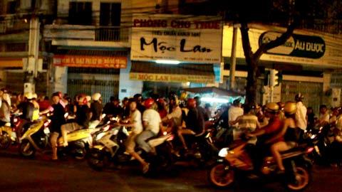 """Video: Theo dấu """"quái xế"""" Sài Gòn - 1"""