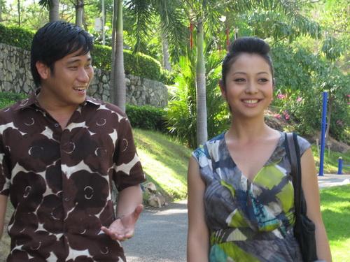 """Jennifer Phạm """"tình tứ"""" với Minh Tiệp - 5"""
