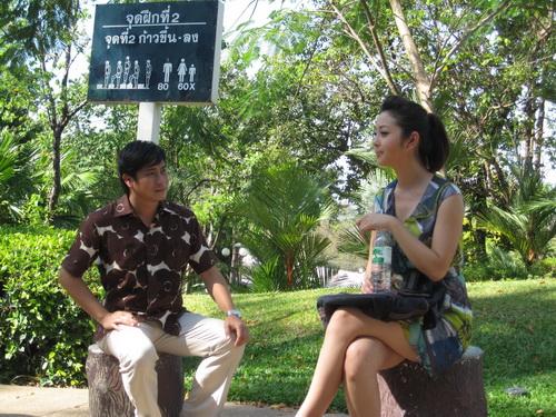 """Jennifer Phạm """"tình tứ"""" với Minh Tiệp - 7"""