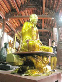 Mã ẩn bức tượng kì bí chùa Hoè Nhai  Tin tức trong ngày  tượng chùa hoè nhai  phái tào động  vua đời hậu lê  phật thích ca  mã văn hoá