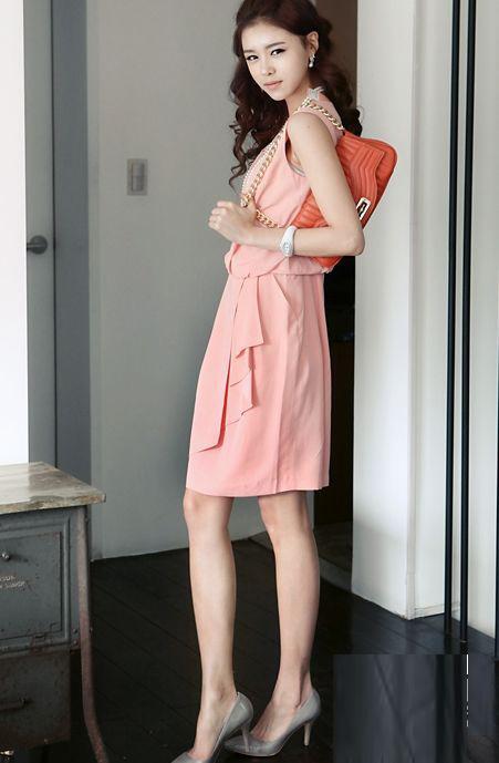 Thời trang công sở: Duyên dáng váy liền - 7