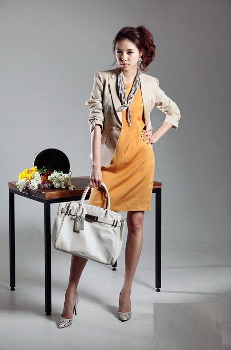 Thời trang công sở: Duyên dáng váy liền - 3