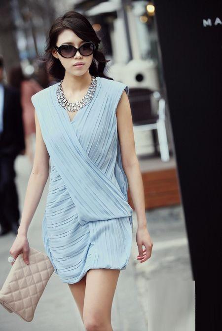 Thời trang công sở: Duyên dáng váy liền - 10