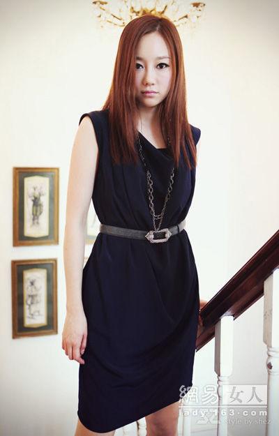 Thời trang công sở: Duyên dáng váy liền - 12