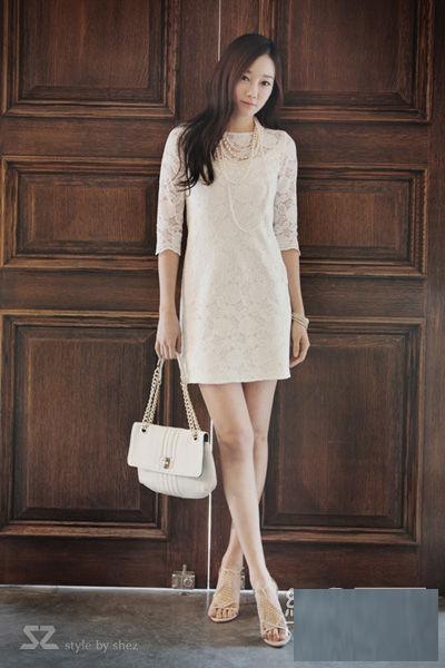 Thời trang công sở: Duyên dáng váy liền - 15