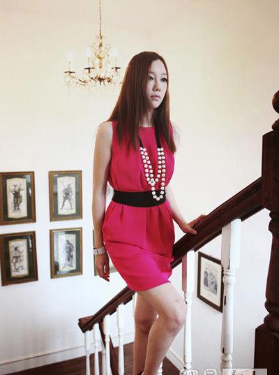 Thời trang công sở: Duyên dáng váy liền - 14