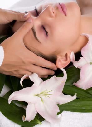 Massage mặt xóa tan những nếp nhăn - 1