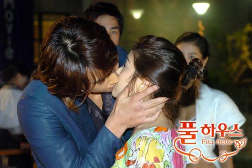 """1001 kiểu """"khóa môi"""" trong phim Hàn - 7"""