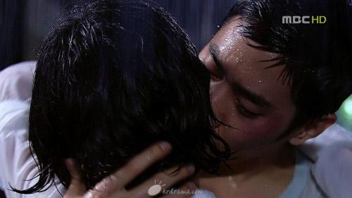 """1001 kiểu """"khóa môi"""" trong phim Hàn - 8"""