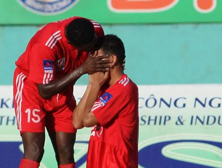 Kết thúc lượt đi V.League 2010: SHB Đà Nẵng dẫn đầu bảng xếp hạng, Megastar Nam Định chìm dưới đáy - 3
