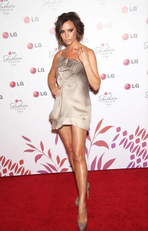 Vic kiêu hãnh với chiếc váy tự thiết kế - 2