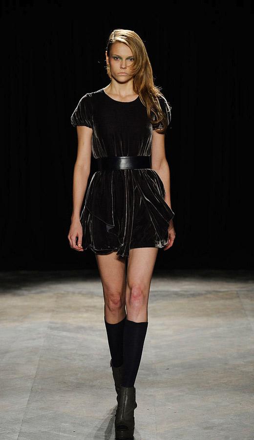Thời trang nhung bùng nổ trong mùa thu 2010 - 9