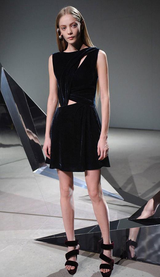 Thời trang nhung bùng nổ trong mùa thu 2010 - 11