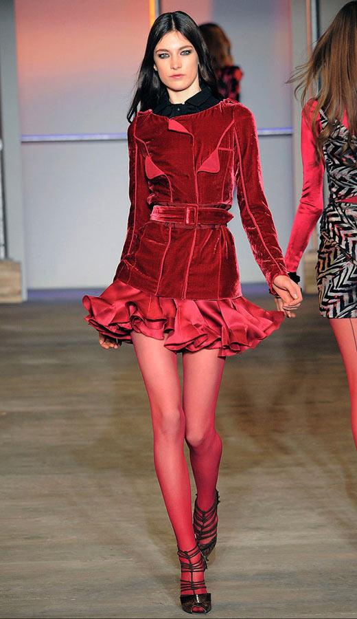 Thời trang nhung bùng nổ trong mùa thu 2010 - 1
