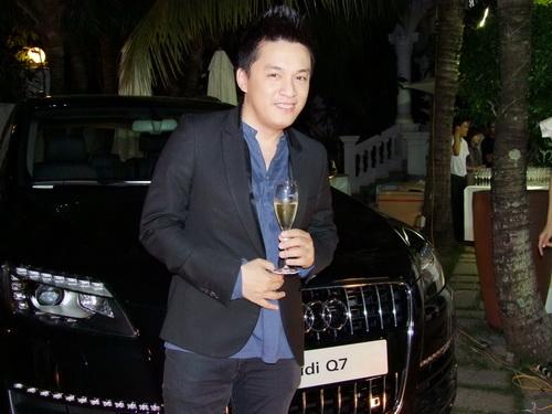 Tăng Thanh Hà và Trang Nhung mặc đẹp bên siêu xe - 6
