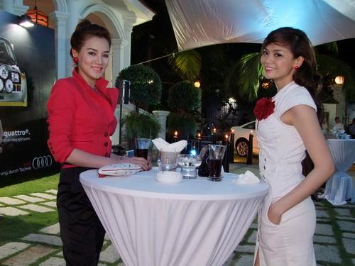 Tăng Thanh Hà và Trang Nhung mặc đẹp bên siêu xe - 12