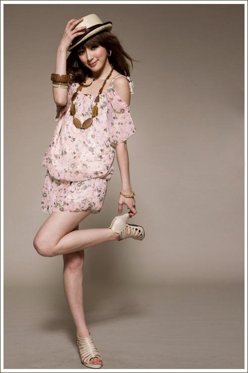 Điệu đà và thời trang với jumpsuit hoa - 13