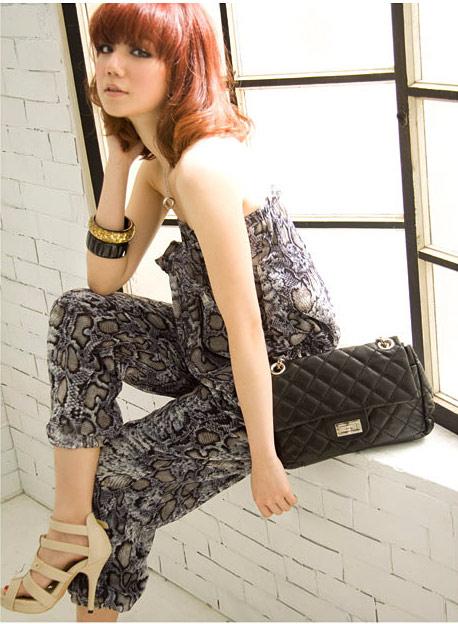 Điệu đà và thời trang với jumpsuit hoa - 16