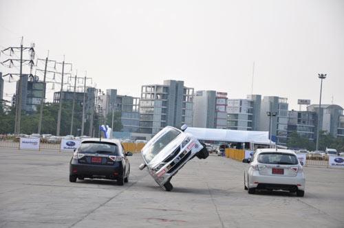Clip: Biểu diễn xe Ô TÔ có 1 không 2 tại Việt Nam