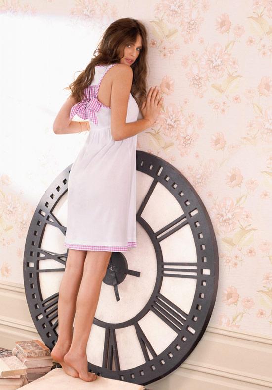 Váy ngủ mùa hè: Đơn giản và quyến rũ - 4