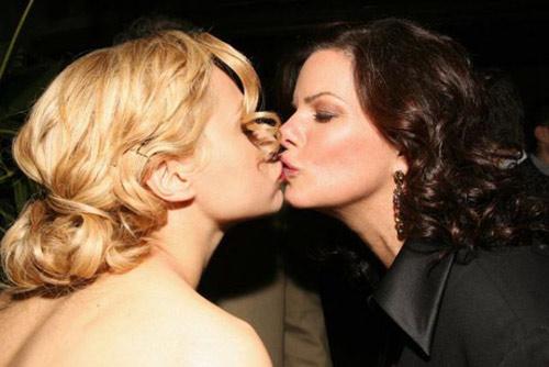 Những nụ hôn đồng tính nữ hot nhất (P1) - 4