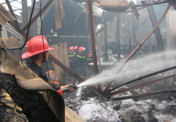 Cháy lớn tại Siêu thị Đà Nẵng - 1