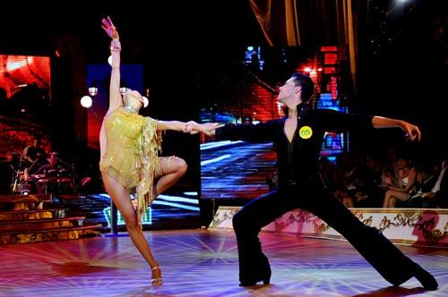 Bước nhảy hoàn vũ: Ngô Thanh Vân, Đoan Trang bất phân thắng bại - 1