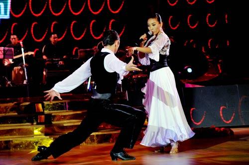 Bước nhảy hoàn vũ: Ngô Thanh Vân, Đoan Trang bất phân thắng bại - 5