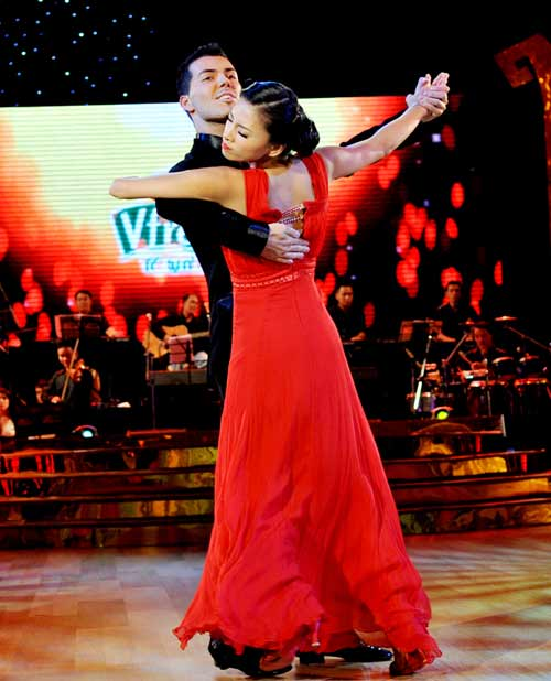 Bước nhảy hoàn vũ: Ngô Thanh Vân, Đoan Trang bất phân thắng bại - 3