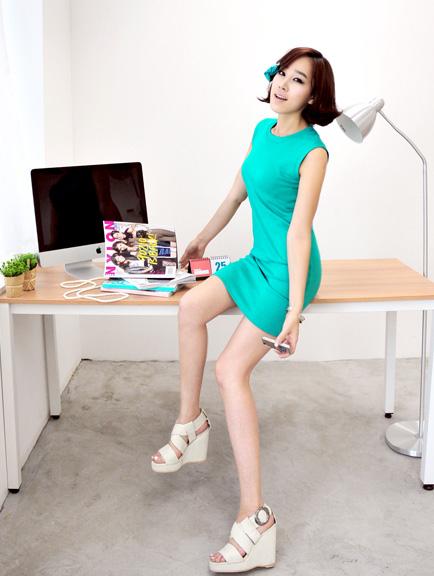 Thời trang hè: Đầm xanh mát lạnh - 18
