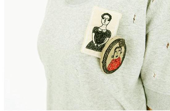 Những phụ kiện thời trang cài áo cực 'đỉnh' - 2
