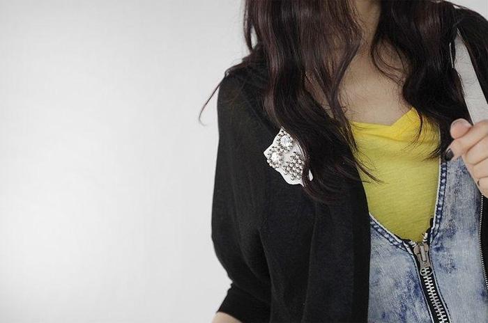Những phụ kiện thời trang cài áo cực 'đỉnh' - 7