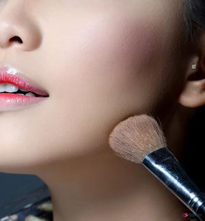 Mẹo trang điểm cho người có khuôn mặt dài - 4