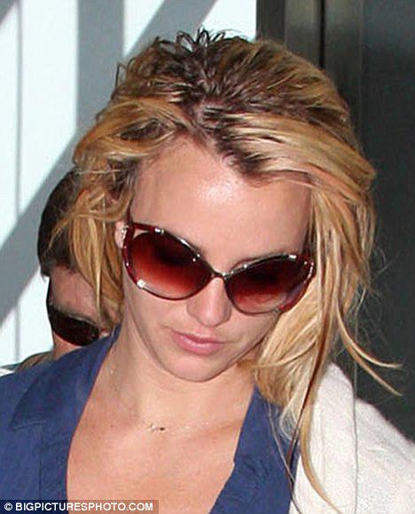 Thời trang tóc 'kinh dị' của Britney Spears - 7