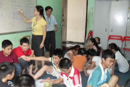 Nở rộ lớp học kỹ năng sống cho trẻ - 1