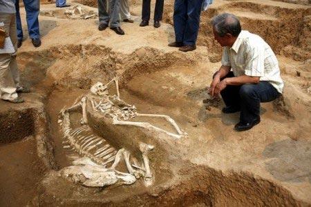 Phát hiện tục hiến tế người thời cổ đại - 1