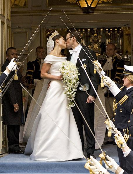 Công chúa Thụy Điển diện đầm cưới hoành tráng - 3