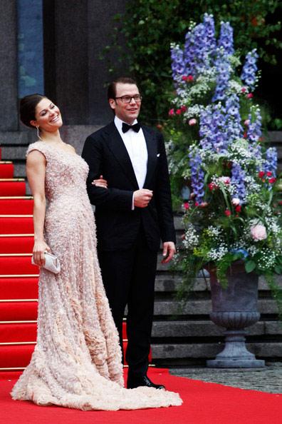Công chúa Thụy Điển diện đầm cưới hoành tráng - 15