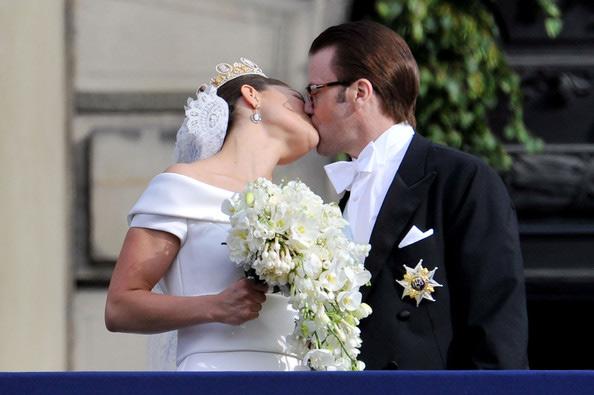 Công chúa Thụy Điển diện đầm cưới hoành tráng - 13
