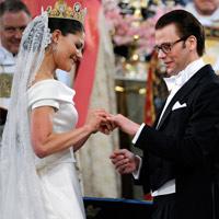 Công chúa Thụy Điển diện đầm cưới hoành tráng