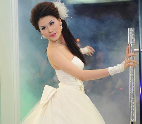 Cô dâu xinh với phong cách Kenny Thái - 10