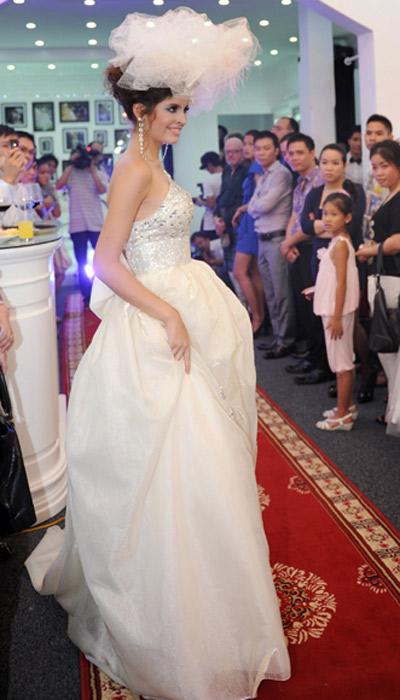 Cô dâu xinh với phong cách Kenny Thái - 14