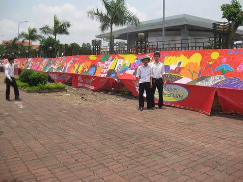 Bức tranh xé dán bằng giấy dài nhất Việt Nam - 3